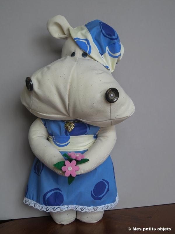 "N° 33 : Cale-porte ""Mademoiselle Hippo"""