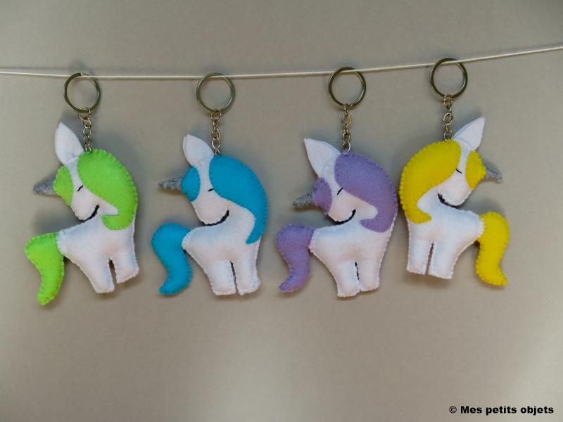 """N° 17 : Porte-clefs """"Les Licornes"""""""