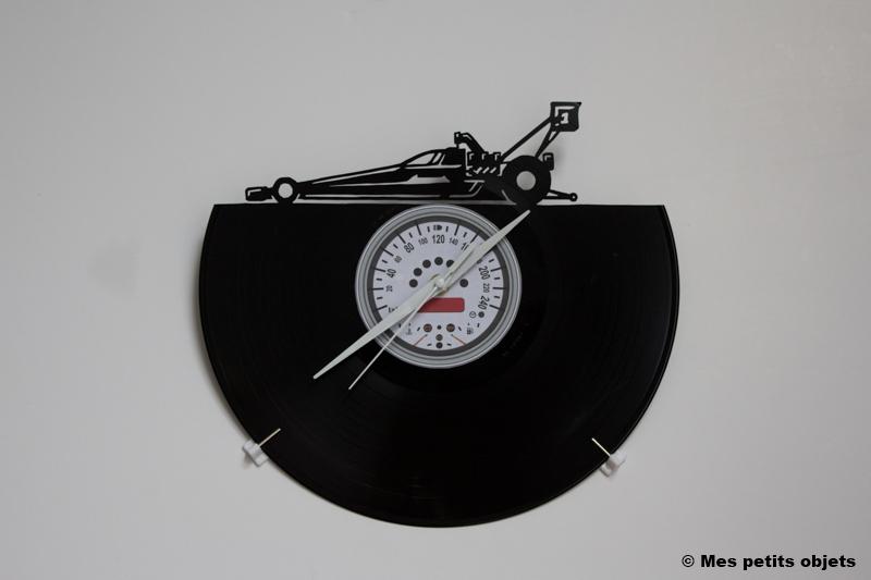 Dragster avec horloge