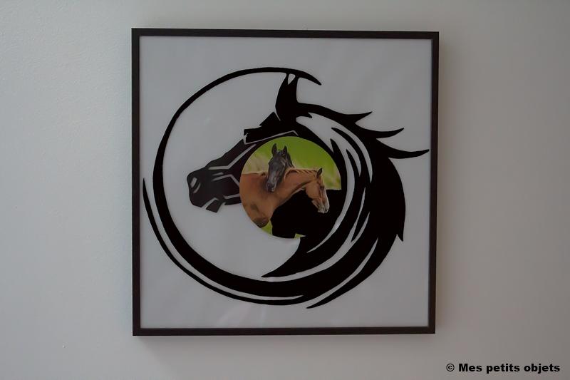 cheval sous cadre