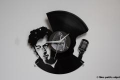 Alain Bashung avec horloge