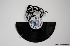 Dauphin avec horloge