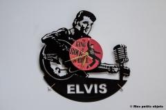 Elvis Presley avec horloge